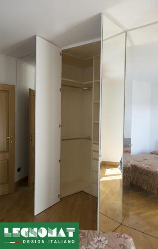 Emejing Armadi Su Misura Roma Photos - Idee Arredamento Casa ...