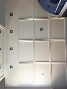 soffitto in legno laccato bianco roma